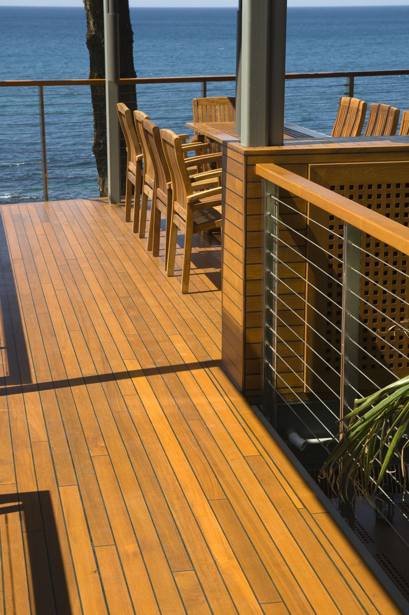 Revive your outdoor decking with Sikkens wood stain products