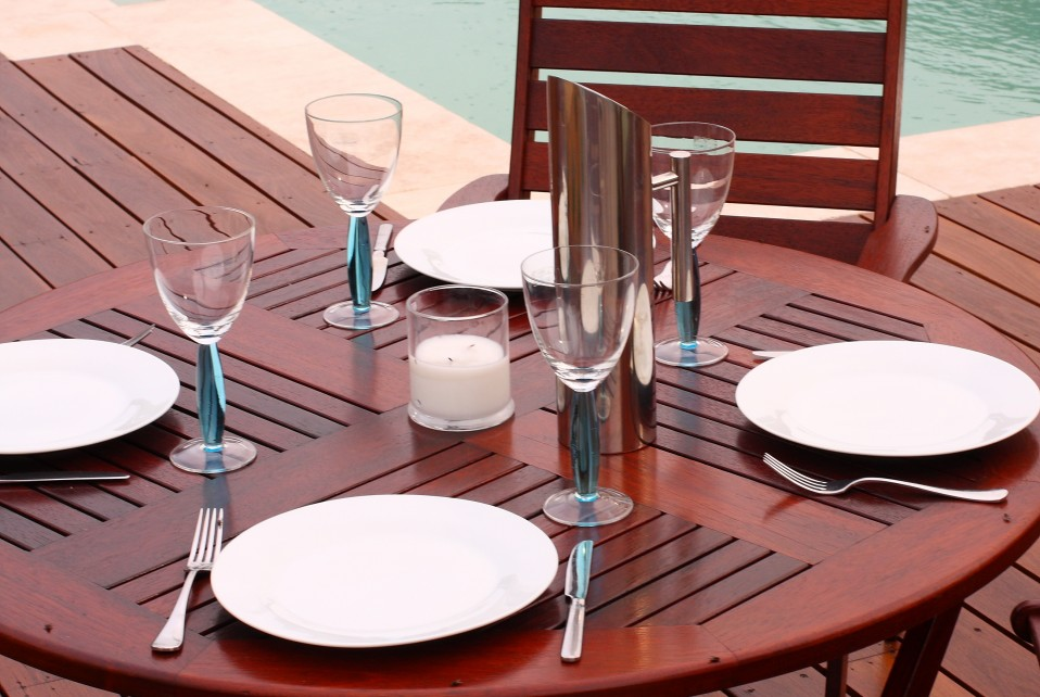 Outdoor furniture refurbished with Sikkens timber stains available in a rangeof wood stain colours