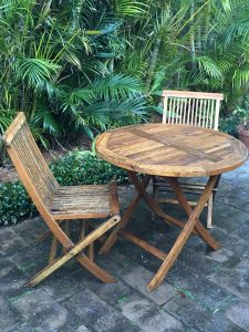 Outdoor furniture cleaned with Sikkens Cetol BL Garden Furniture Cleaner